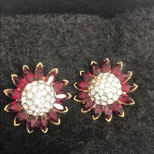 Red Siam Crystal Flower w/ Pavé center-Clip on